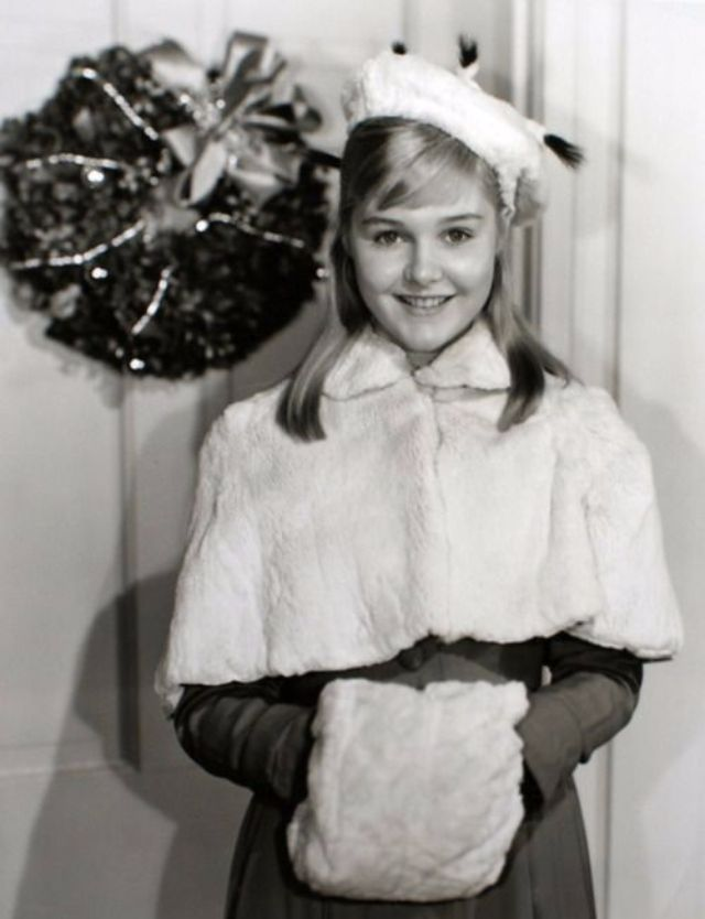 Pictures Of Celebrities On Christmas Day When They Were