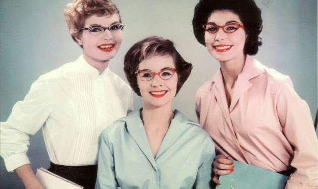 d02ef8d5e3 Cat Eye Frames – The Cool Glasses Style of Women From the 1950s ...