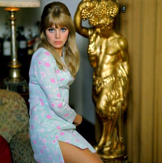 Britt Ekland: The 1960s Swedish Beauty Icon : Britt Ekland