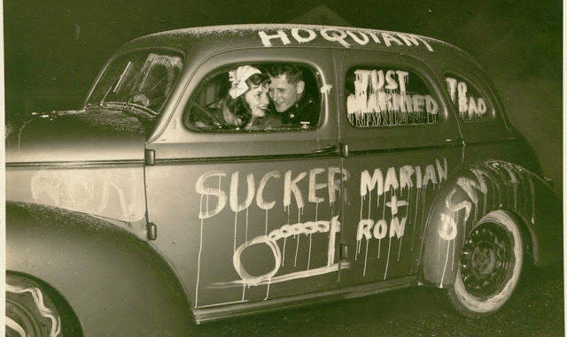 Funny Vintage Photographs Of Just Married Wedding Cars From The Past  Vintage -3311