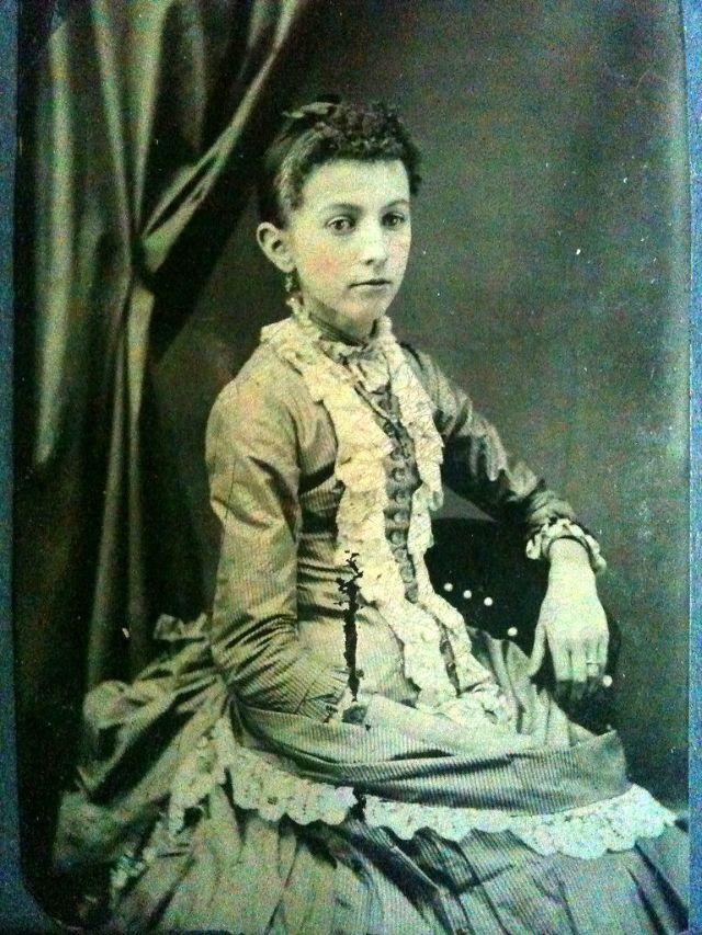 15 Victorian Era Photos: Post Mortem Photography Will Show