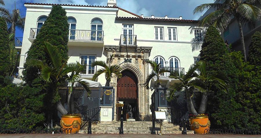 Casa Casuarina Versace home