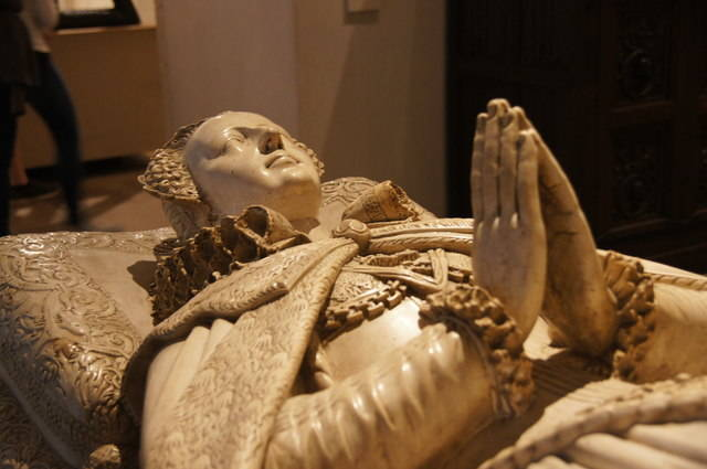 Mary Queen Tomb