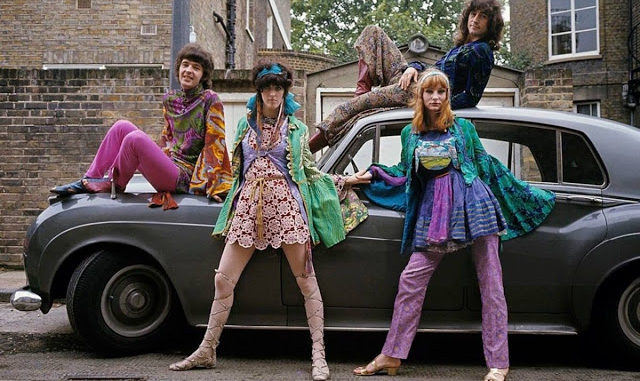 Amazing Color Photographs Capture Psychedelic Hippie Fashion In London In 1967 Vintage News Daily