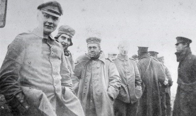 Christmas Truce Of 1914.Christmas Truce 1914 Amazing Photos Of British And German