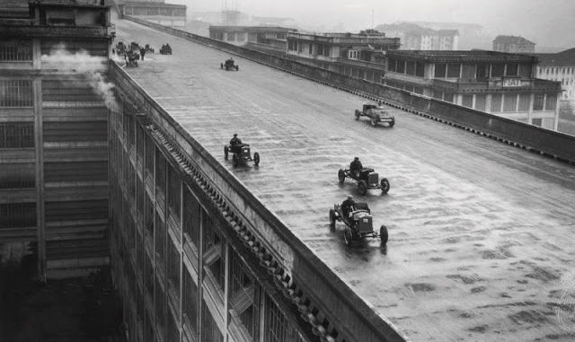 In The 1920s Fiat Factory Workers Race On The Rooftop For