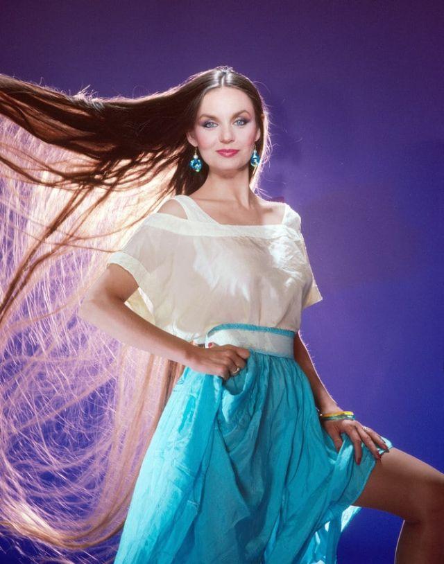 Glamorous Photos of American Actress Sheila Ryan in the